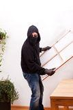 burglar-steals-picture-painting-30560045